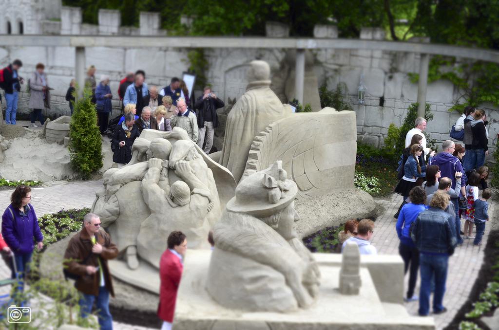 Zandsculpturen op de Veluwe